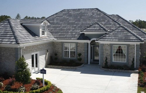 Whether you want slate roofing or asphalt roof shingles in Santa Clarita, CA, contact us